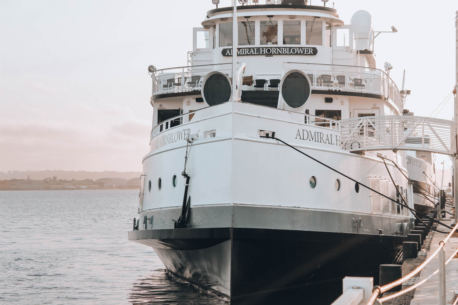 travel-guide-san-diego-recommendations-hornblower-cruise2
